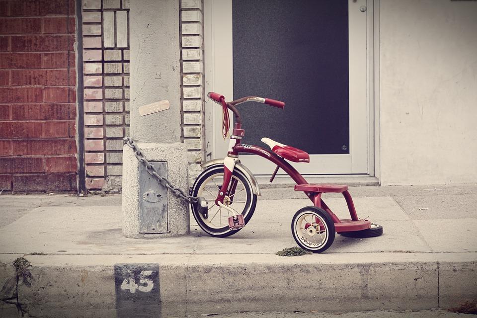 Fahrrad immer an einem unbeweglichen Gegenstand absperren